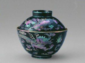 Yếu tố nào khiến men rạn cổ và men lam của gốm sứ ly tách Bát Tràng Luôn hút khách